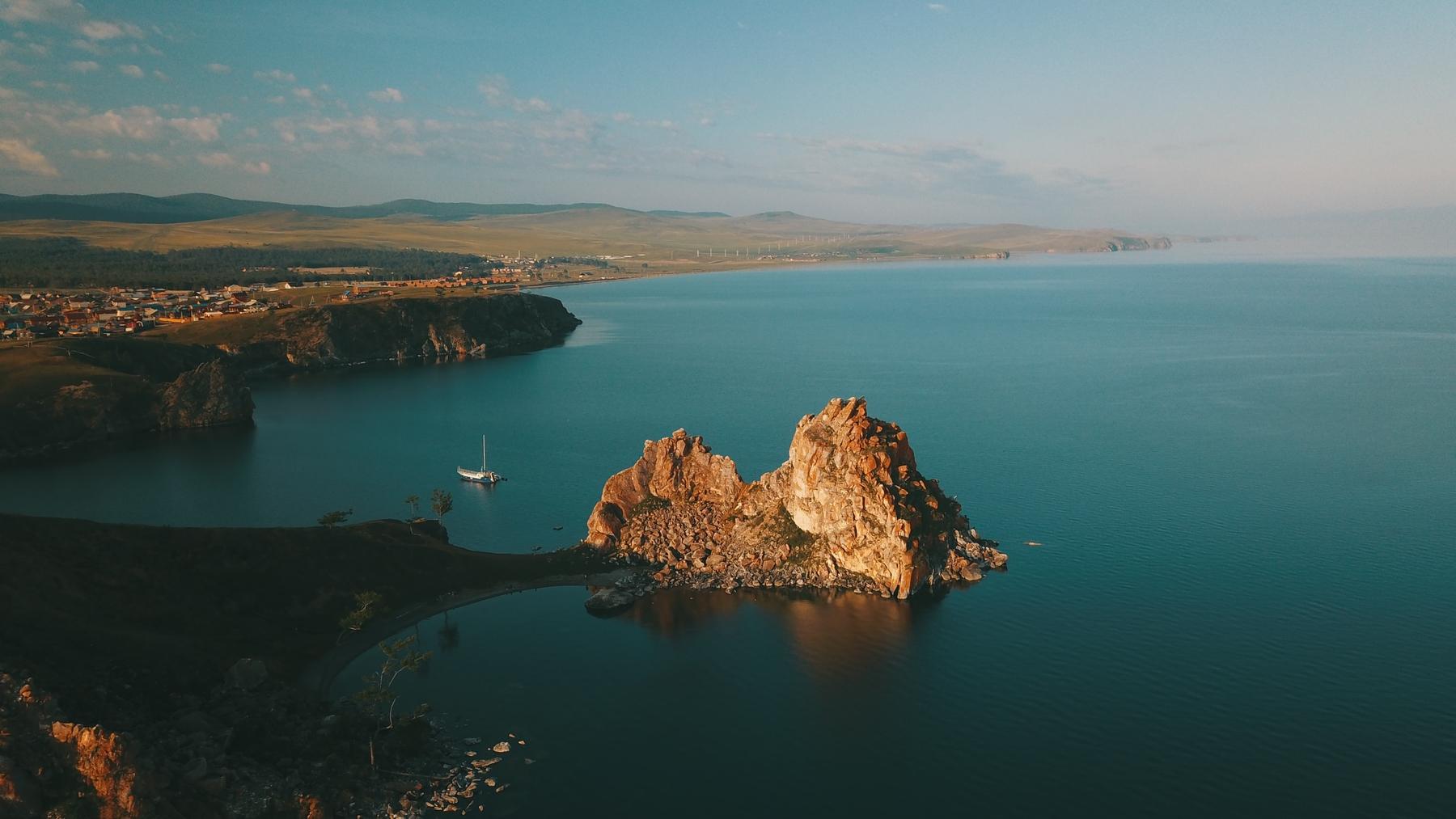 Куда поехать отдыхать летом в России. Остров Ольхон, Байкал