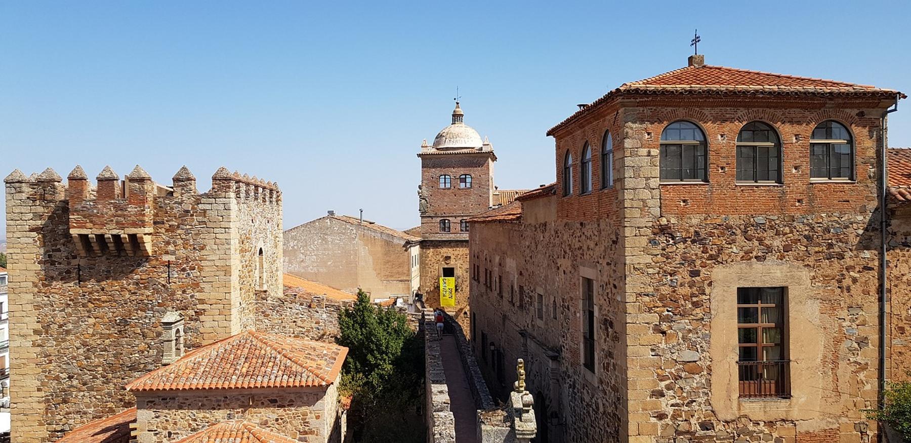 Vistas de la ciudad de Cáceres en la Vía de la Plata