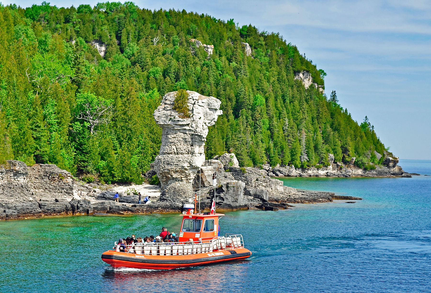 Tobermory and Flower Pot Island in Ontario