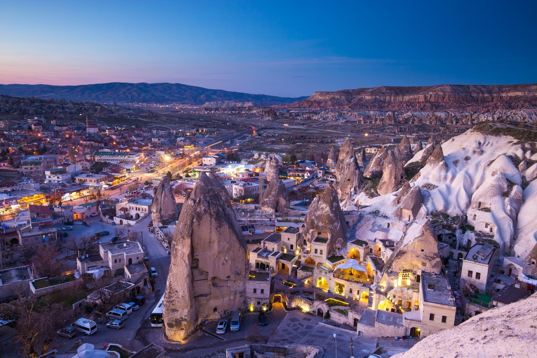 Часовни скального городка Гереме в Турции, вырубленные в пещерах