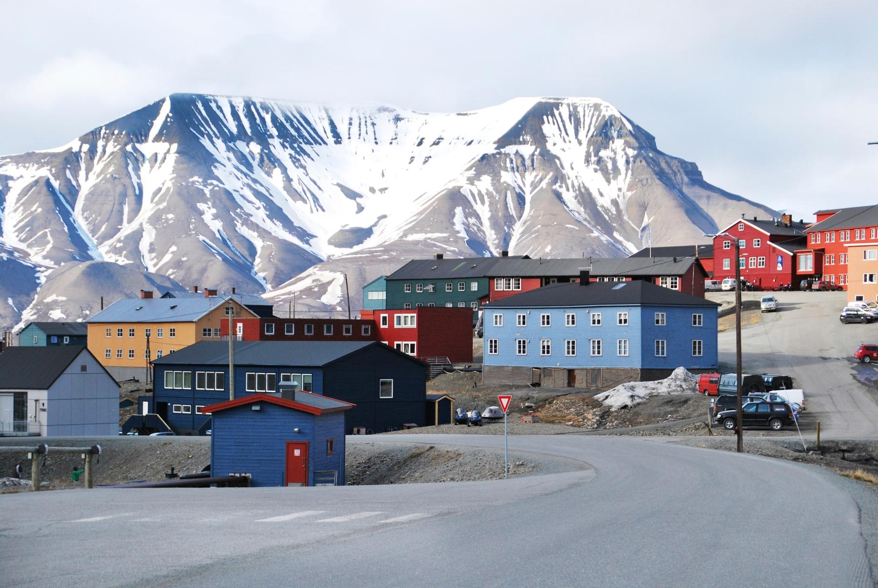 Лонгйир, удаленный город на Шпицбергене в Норвегии