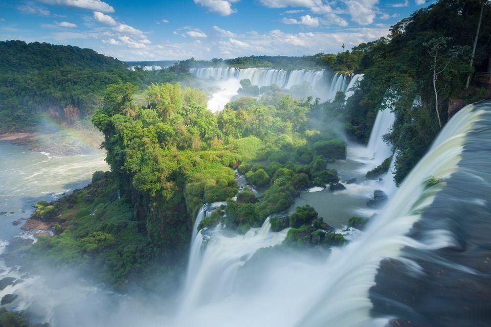 Die schönsten Reiseziele in Südamerika:  Iguazú-Wasserfälle, Brasilien & Argentina