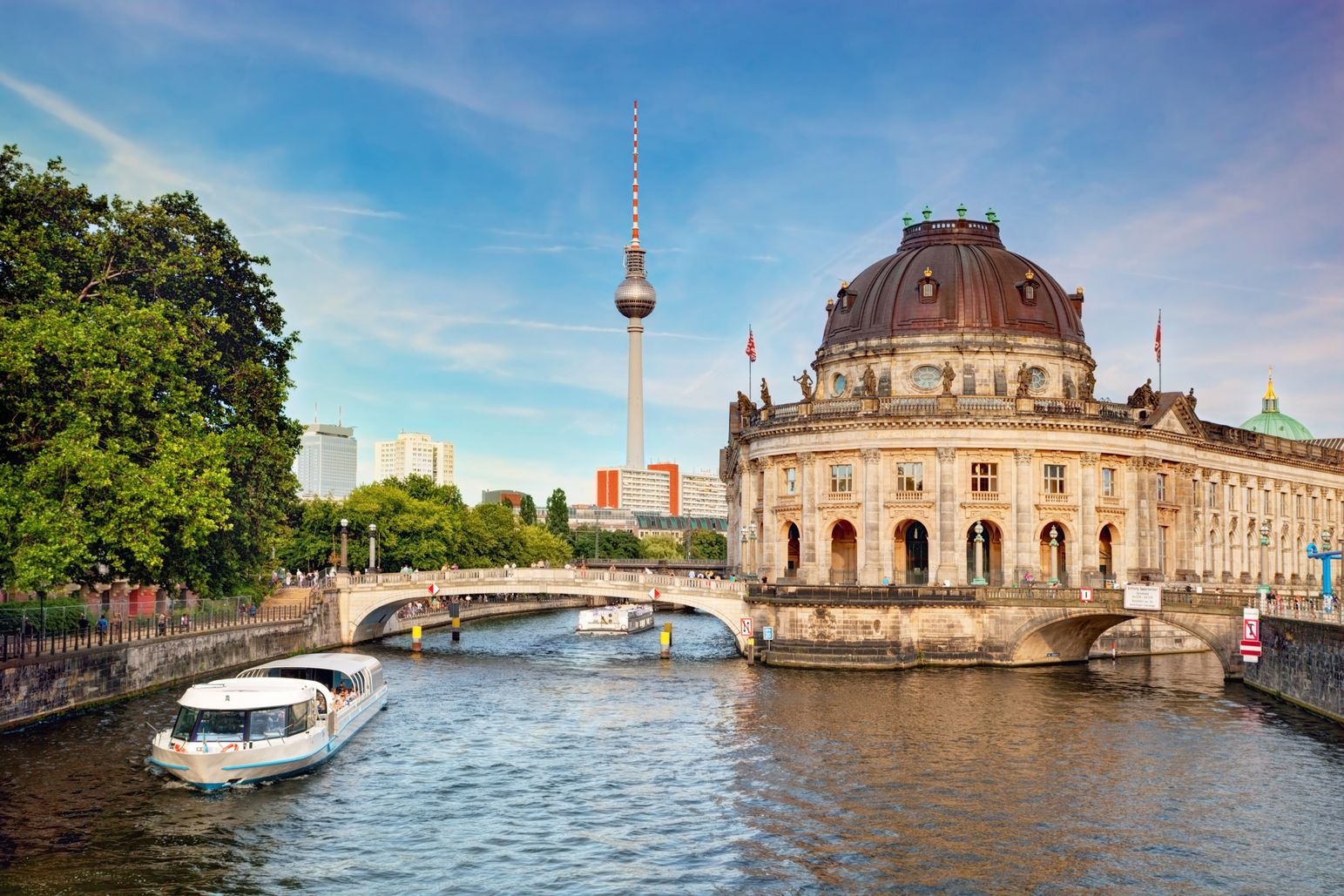 Cruise along the River Spree in Berlin