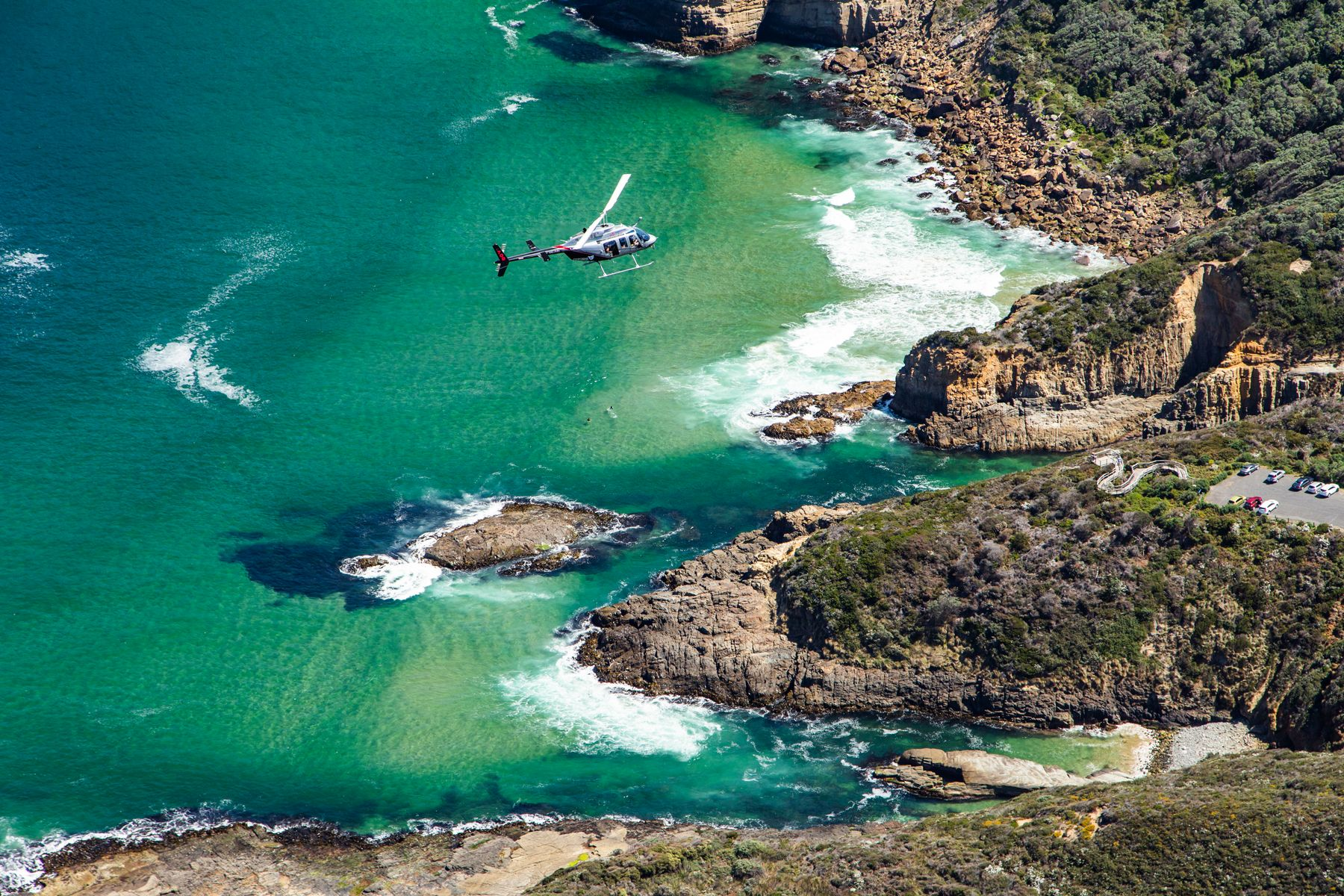 Osborne Heli Tours offer scenic helicopter flights showcasing the dramatic and rugged beauty of Tasmania