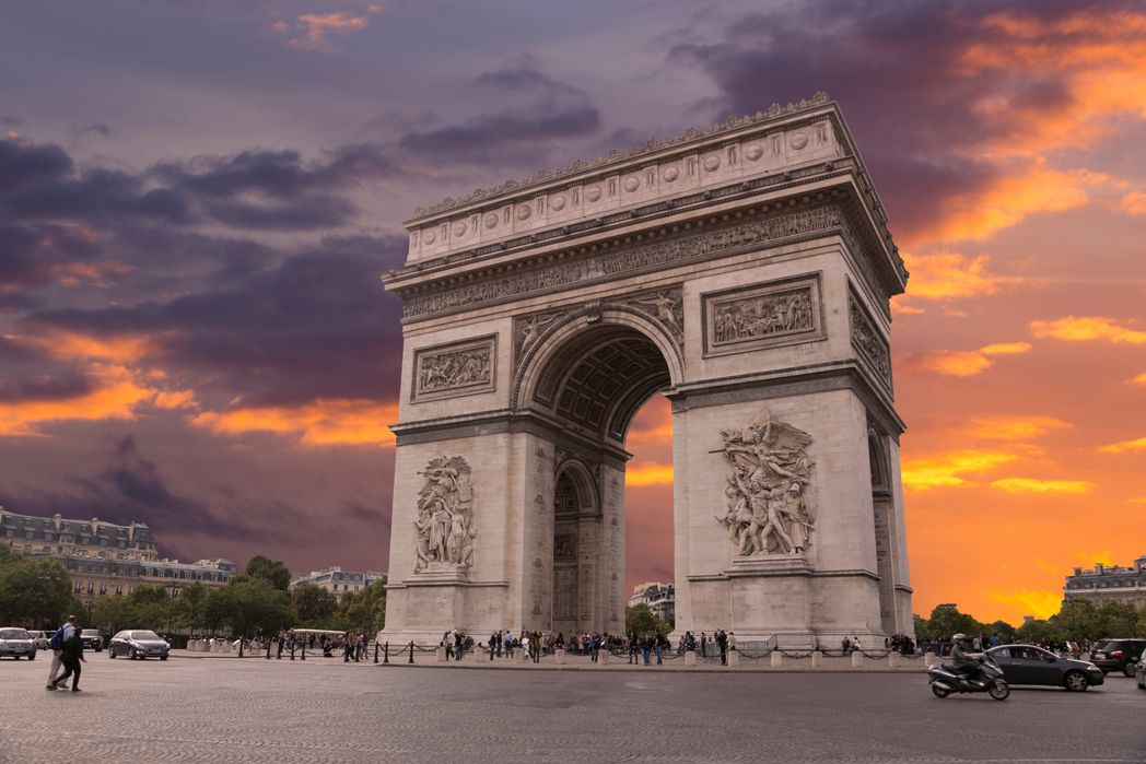 Weekend w Paryżu :Łuk Triumfalny
