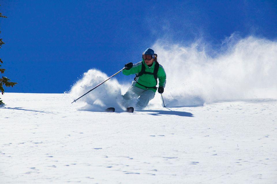 Σκιέρ στο χιόνι