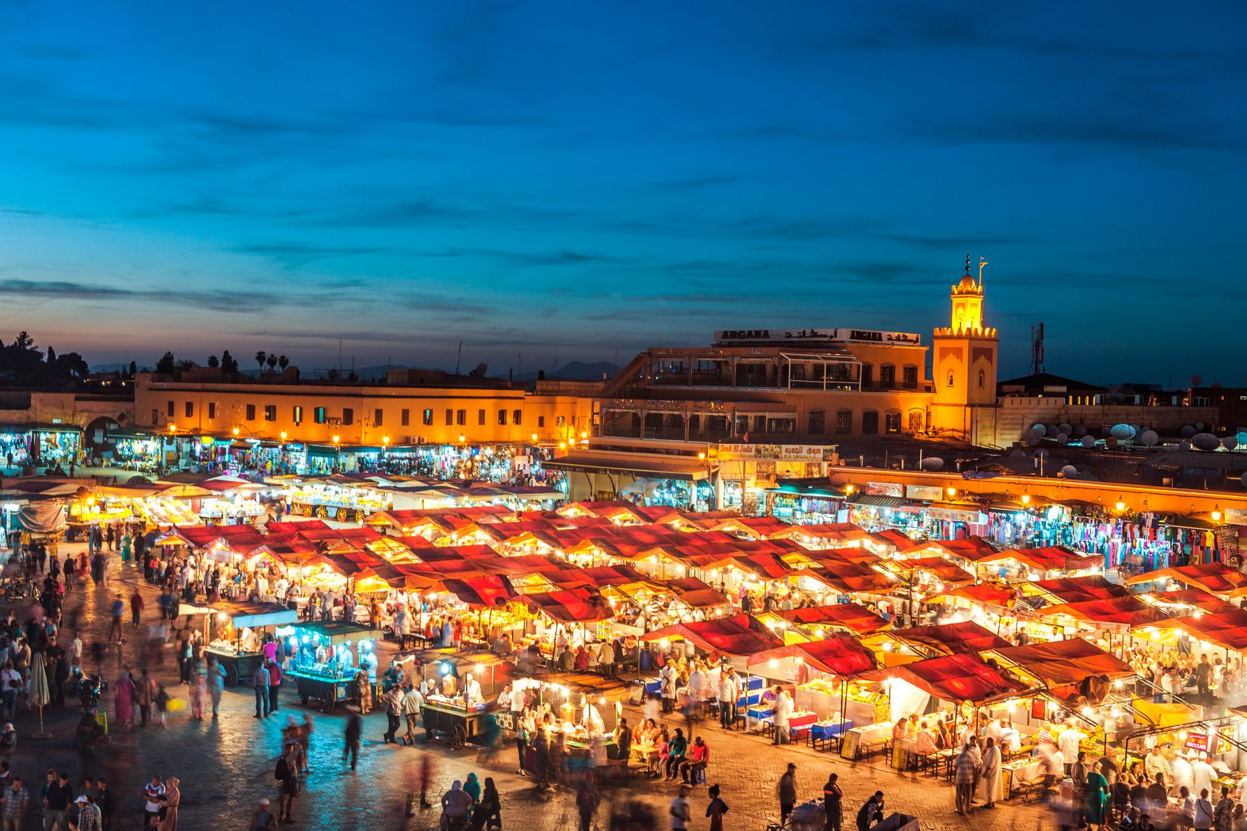 Jemaa el-Fnaa, Marrakesh, is hot in April