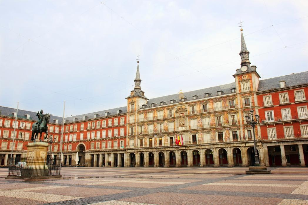 Άγαλμα στην Plaza Mayor της Μαδρίτης