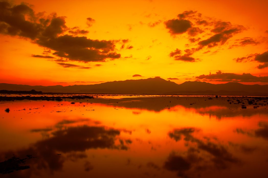 Οι λίμνες το σούρουπο