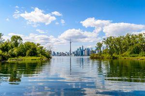 Tanie loty do Toronto zachęcają do podróży