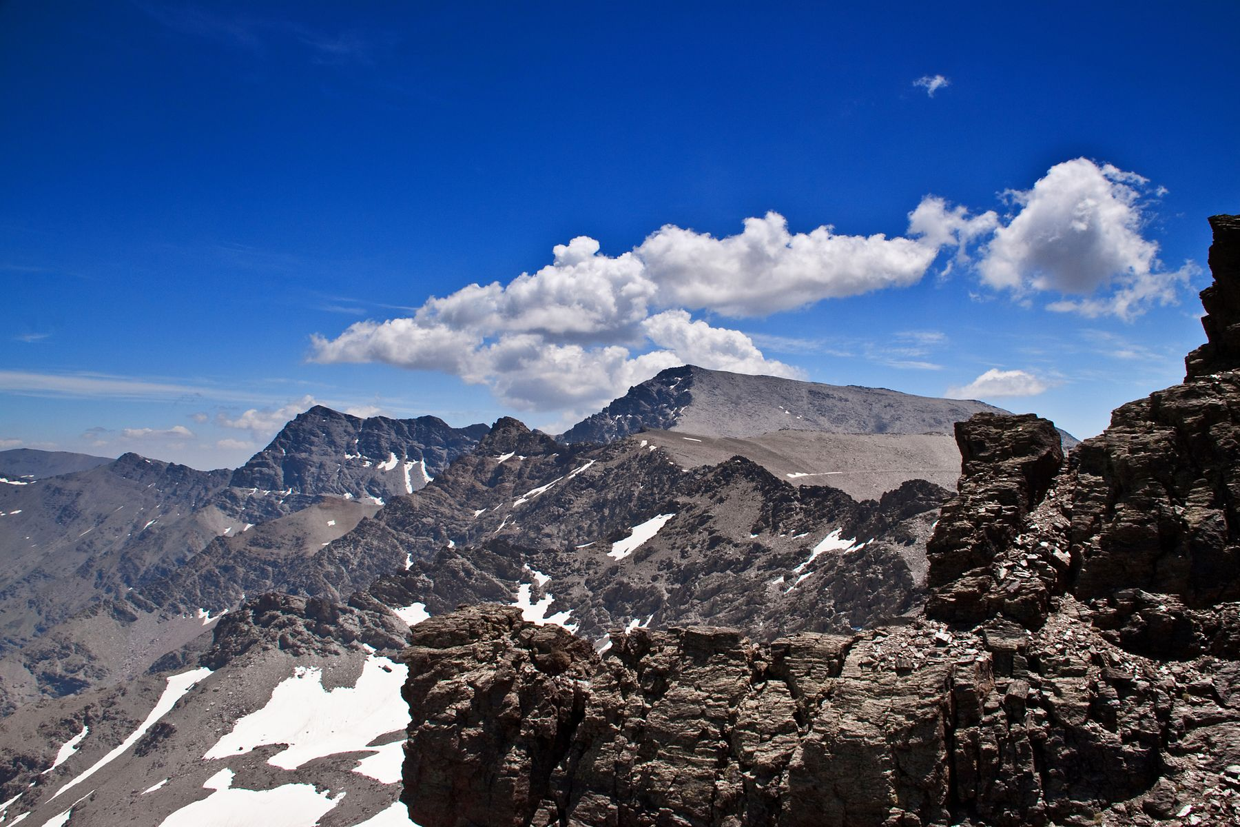 El Mulhacén, de 3.478 metros de altura, es uno de los picos más altos de España
