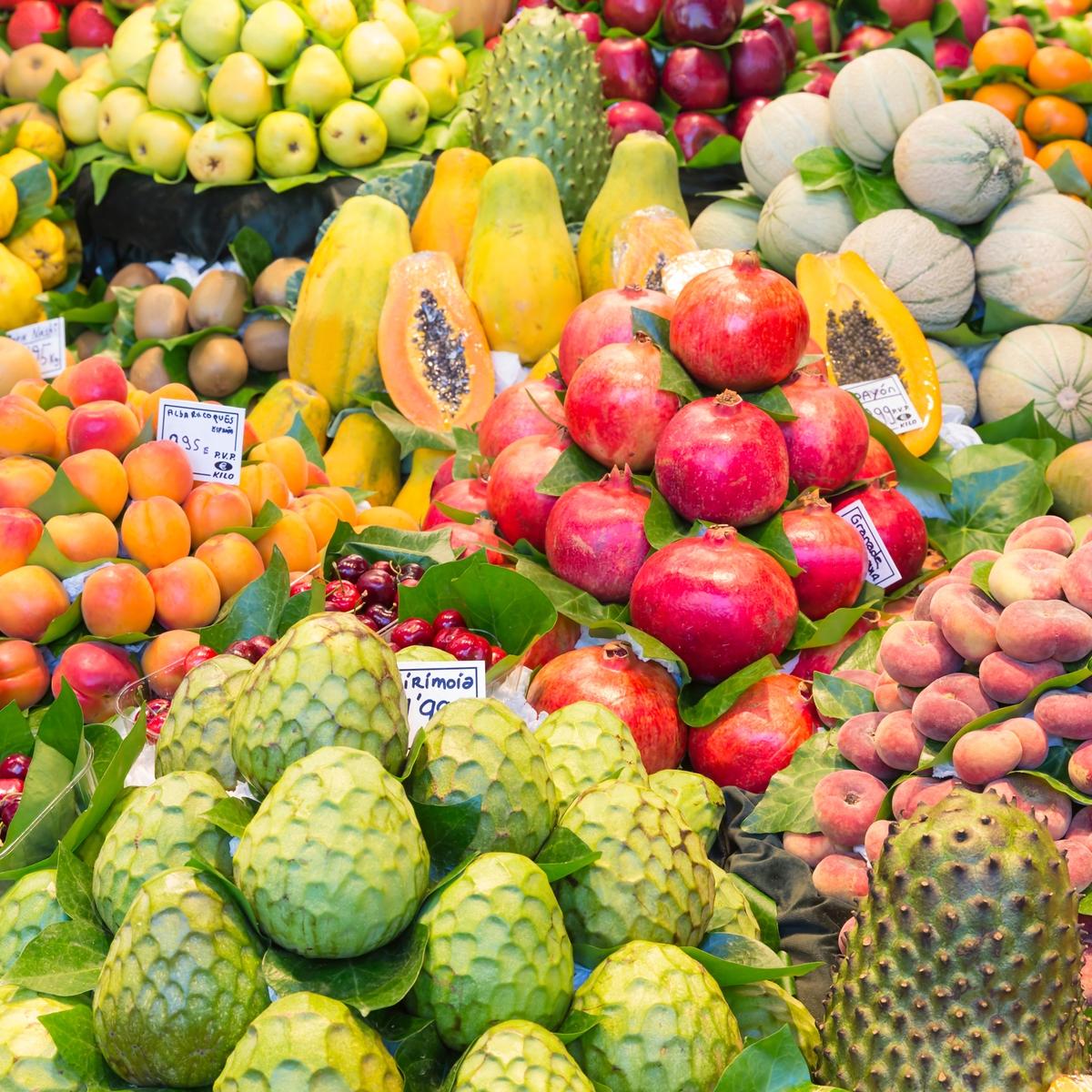 Tipps, um Plastikmüll im Urlaub zu vermeiden: Einkaufen am lokalen Markt