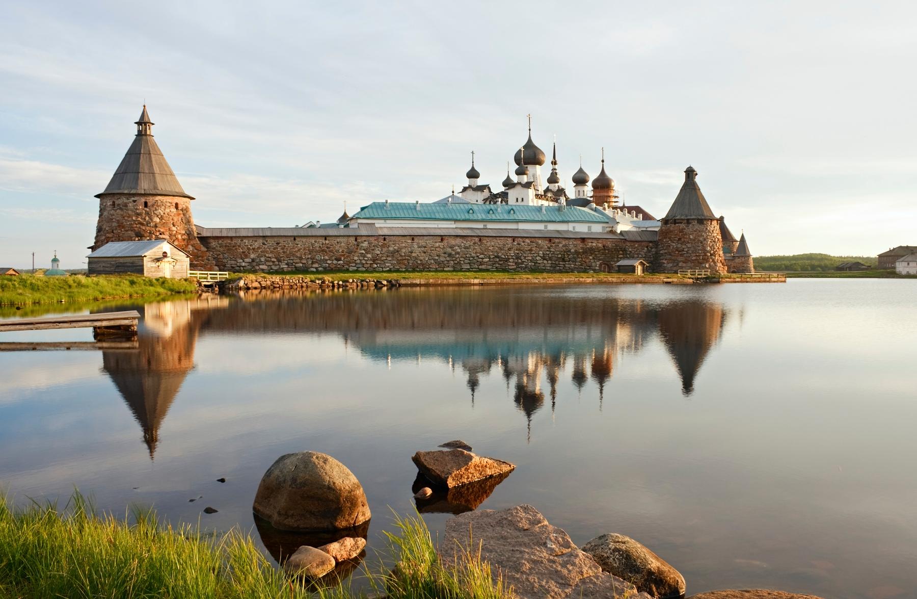 Красивые места в России. Монастырь на Соловках. Самые живописные святые места России