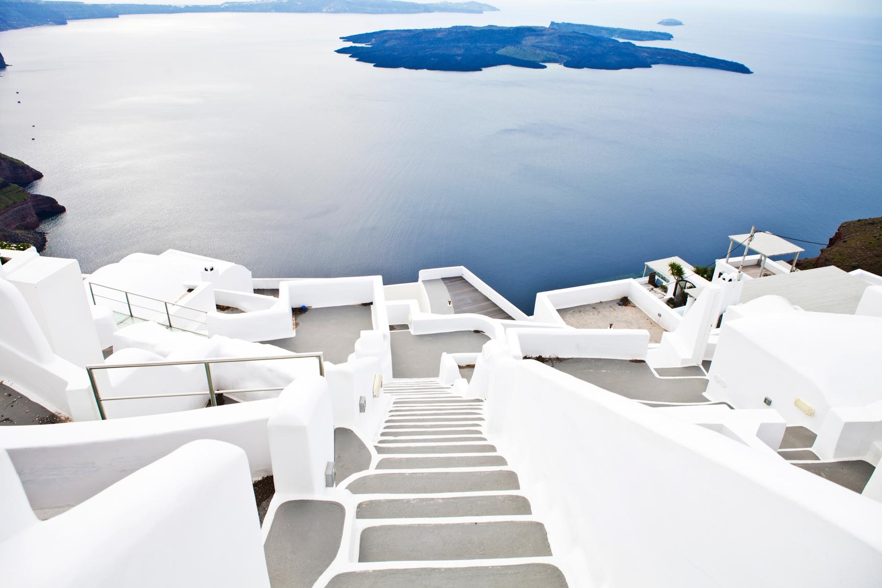 Стоит ли ехать в Грецию весной и осенью