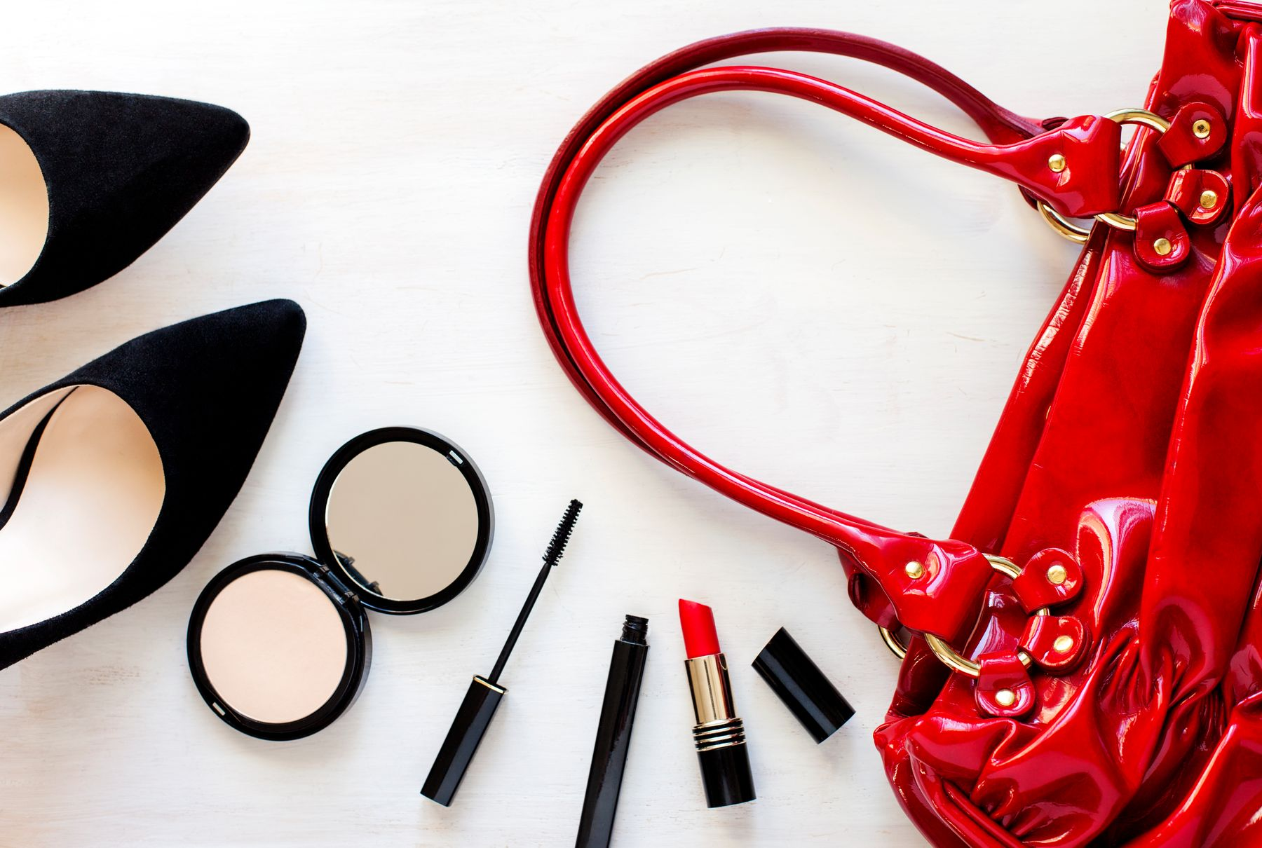 how to pack your make-up when travelling