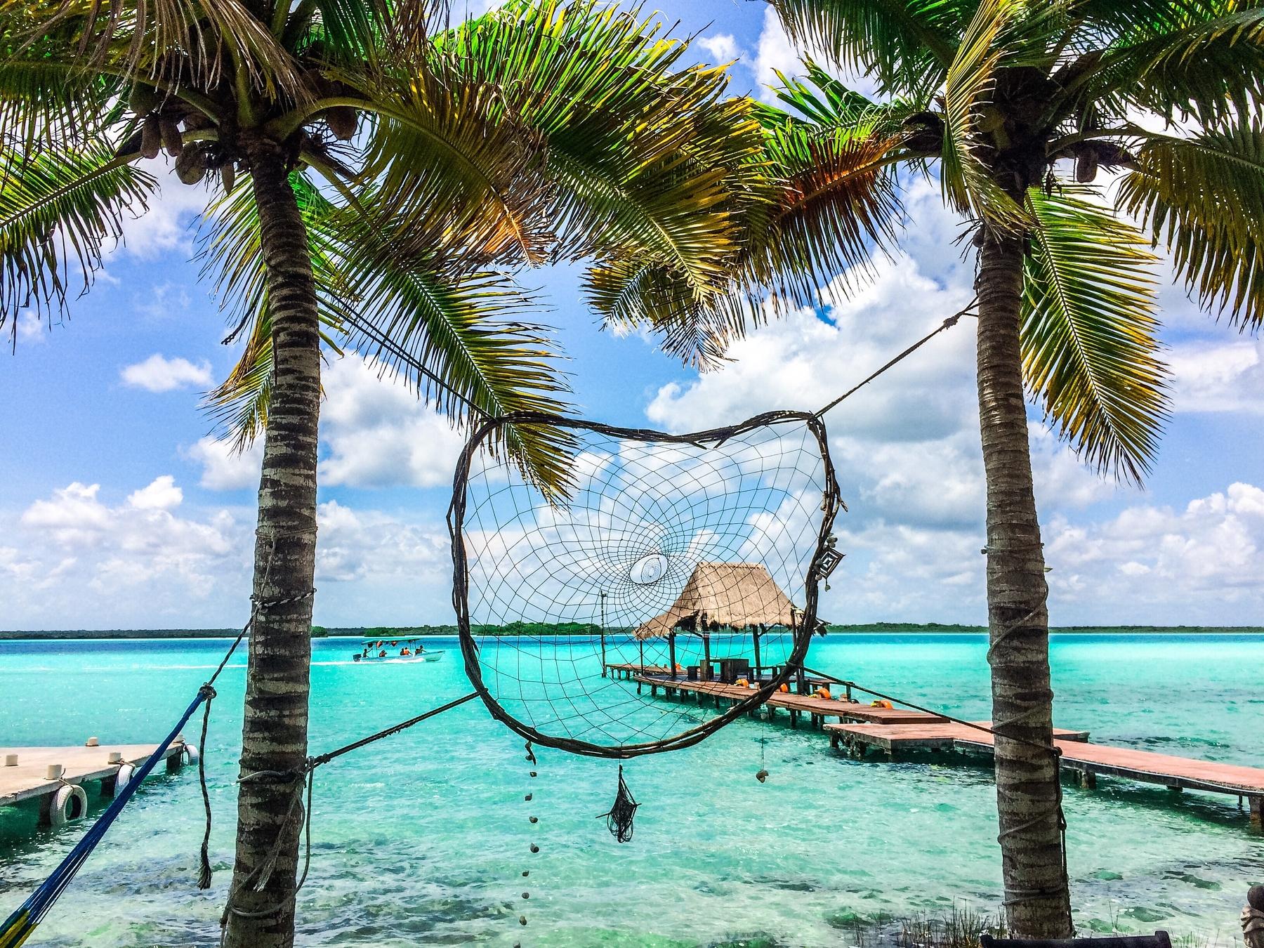 Где в 2021 году отдохнуть на море без визы