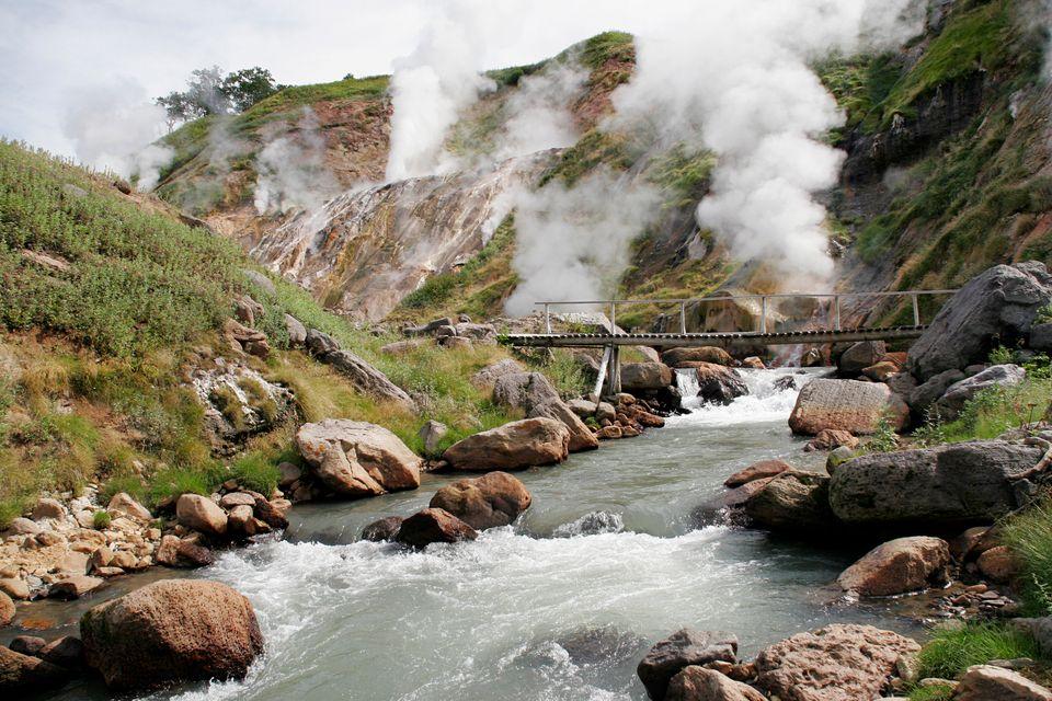 Долина гейзеров в Кроноцком заповеднике в России