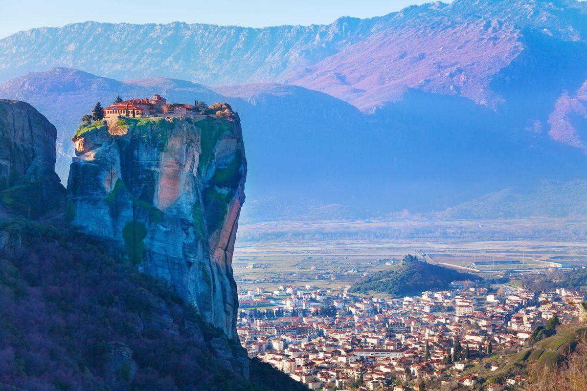 Το χωριό κάτω από τα Μετέωρα είναι ένα από τα ομορφότερα χωριά της Ελλάδας