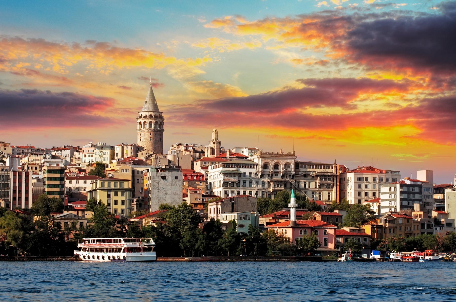 Необычные достопримечательности Стамбула: лучшие отели района Бейоглу