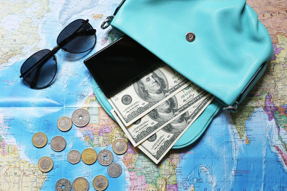 海外旅行 持ち物 現金