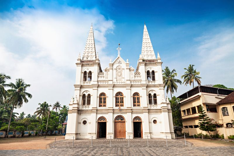 Santa Cruz Basilica in Kochi is one the best places to visit in the city