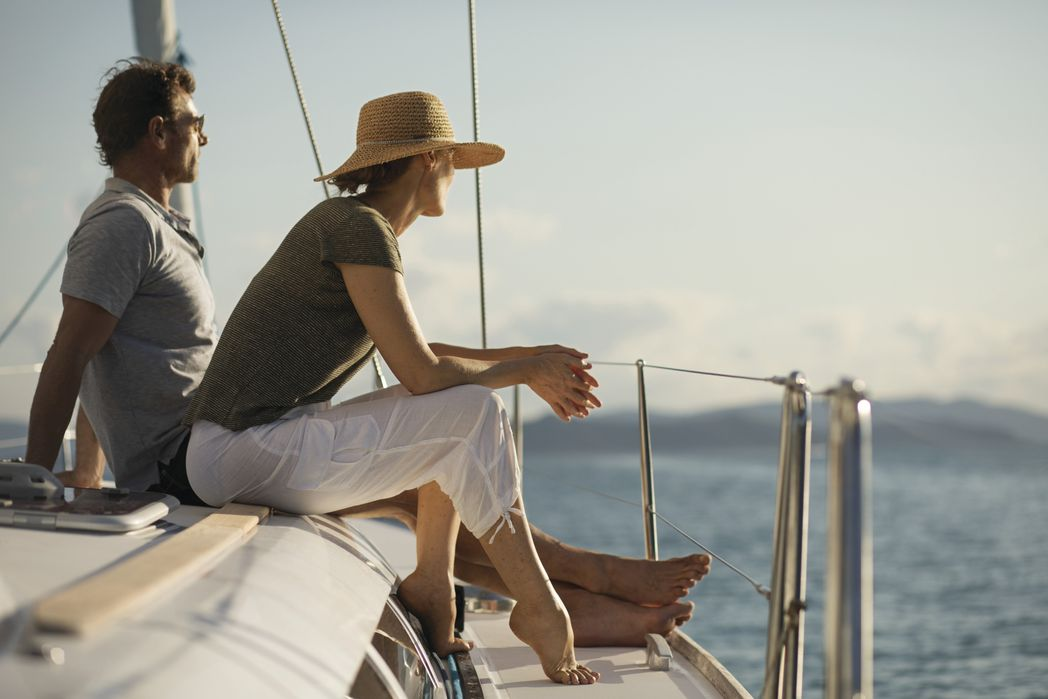 Zευγάρι σε διακοπές με ιστιοπλοϊκό - συμβουλές για πράσινα ταξίδια