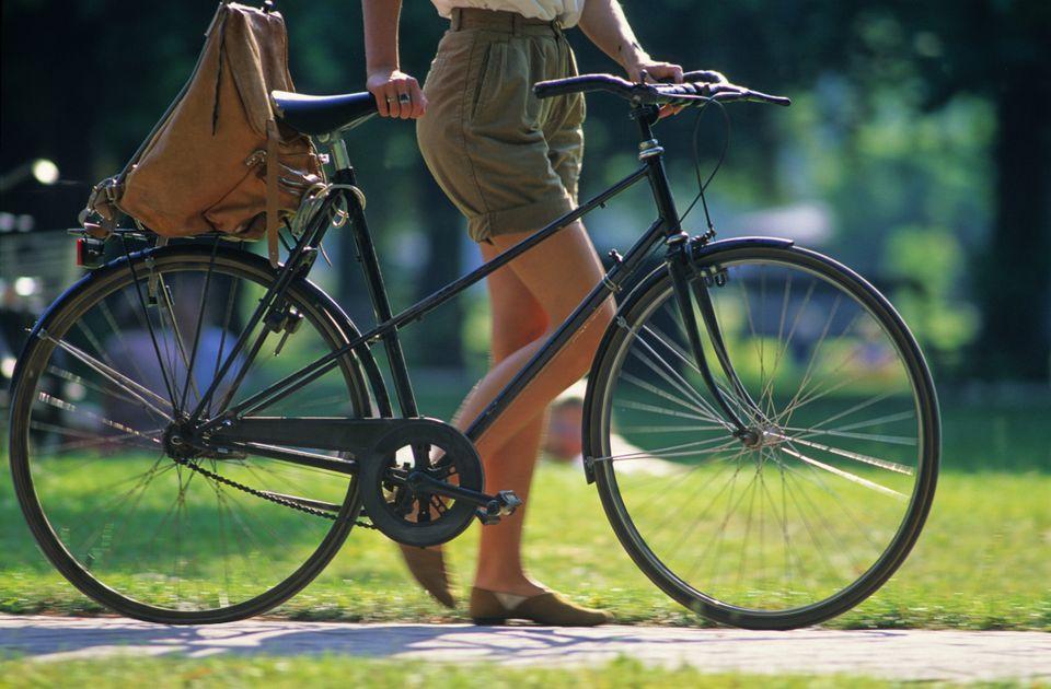 Κοπέλα με ποδήλατο στην Κοπεγχάγη