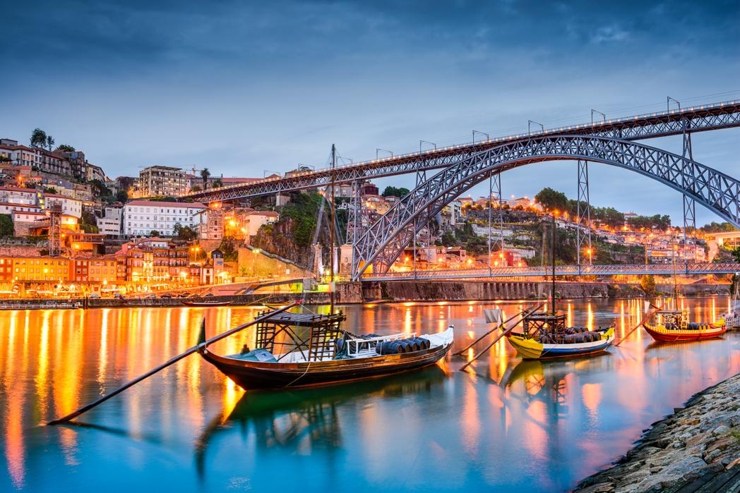 Porto, Portogallo on the road