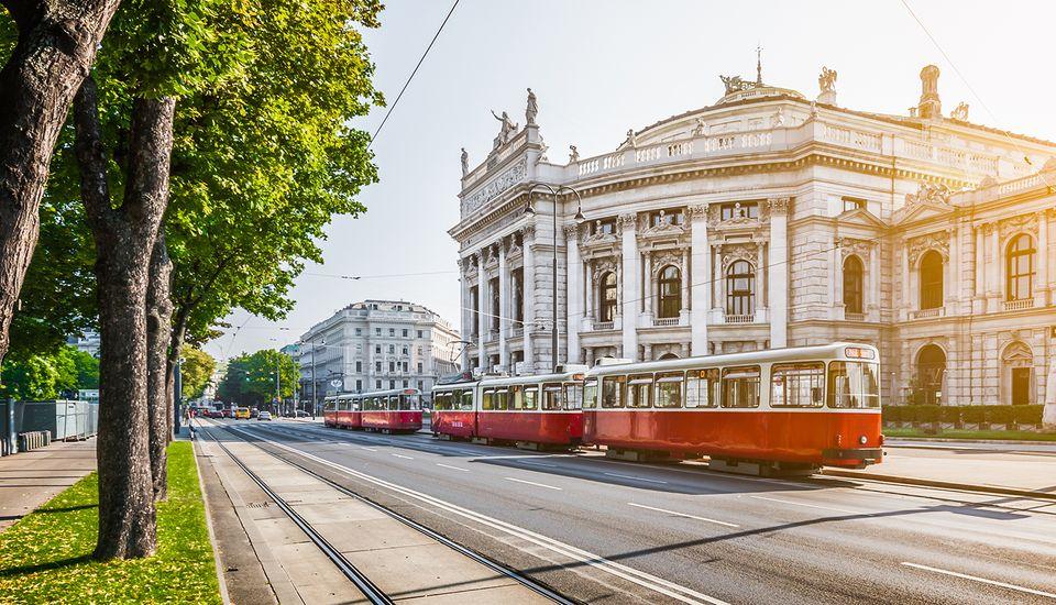 Vienna by night - 5 best weekend breaks for studens