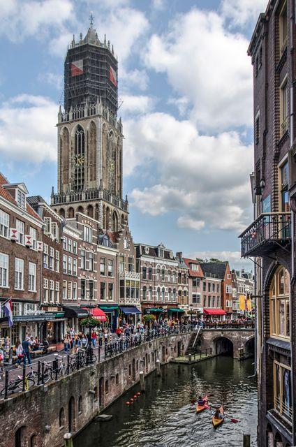 Καγιάκ και περαντζάδα σε κανάλι της Ουτρέχτης, Ολλανδία