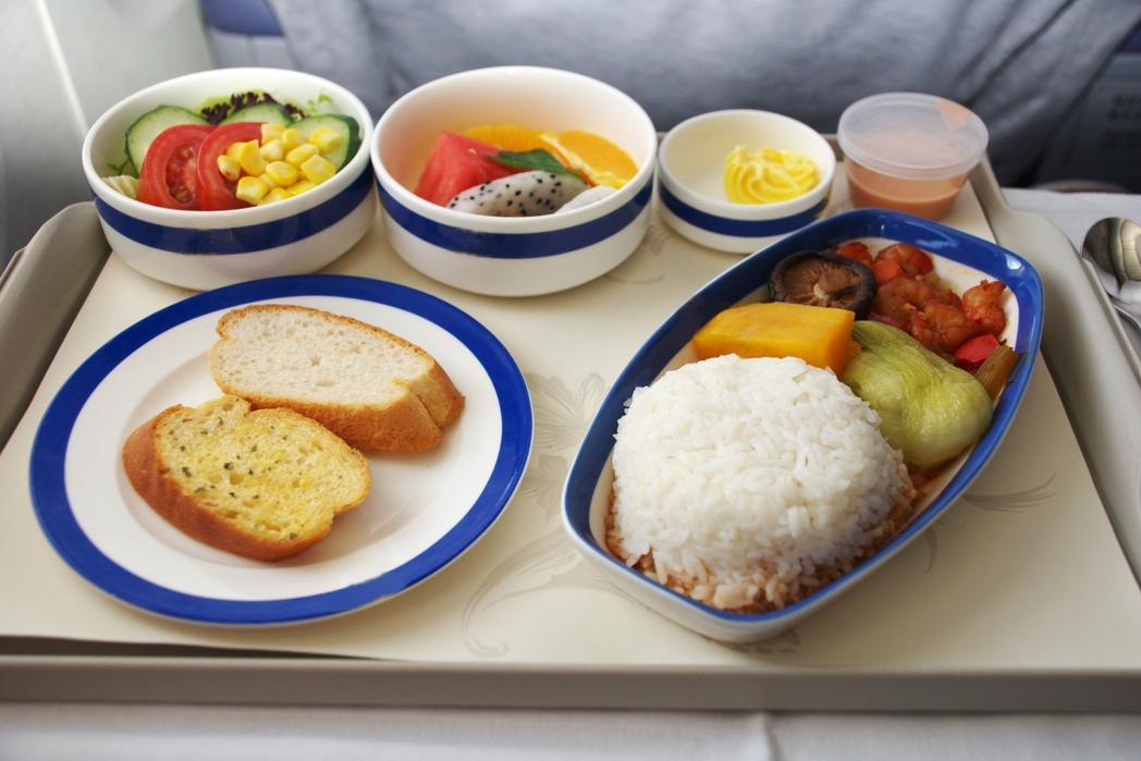 Xoρτοφαγικό γεύμα στο αεροπλάνο - βιώσιμος τουρισμός, top tips