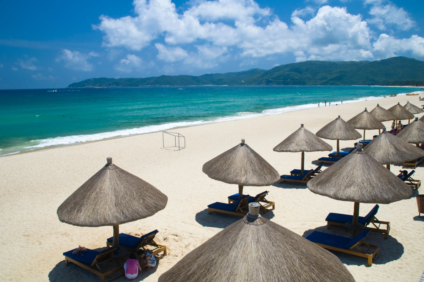 Где лучший отдых на море зимой. Остров Хайнань в Китае