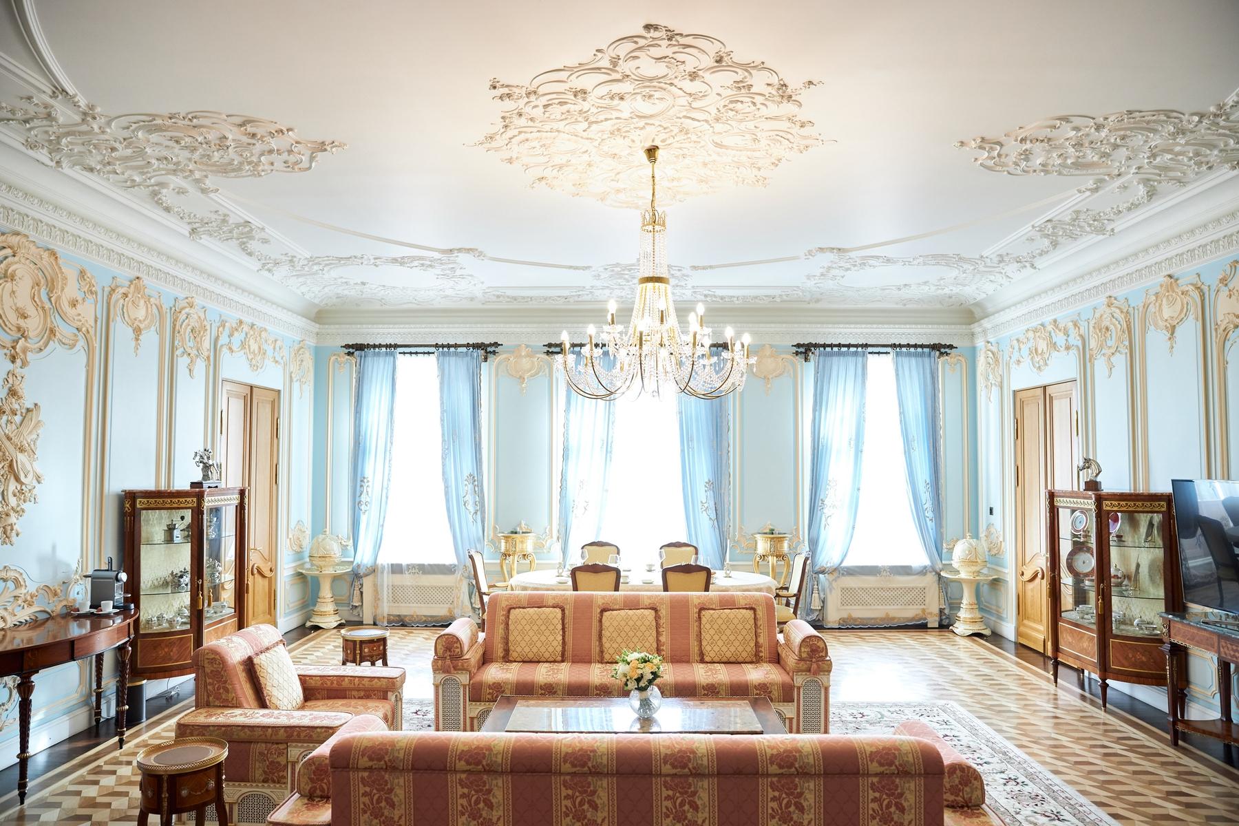 Уникальный отель «Дворец Трезини» в Санкт-Петербурге