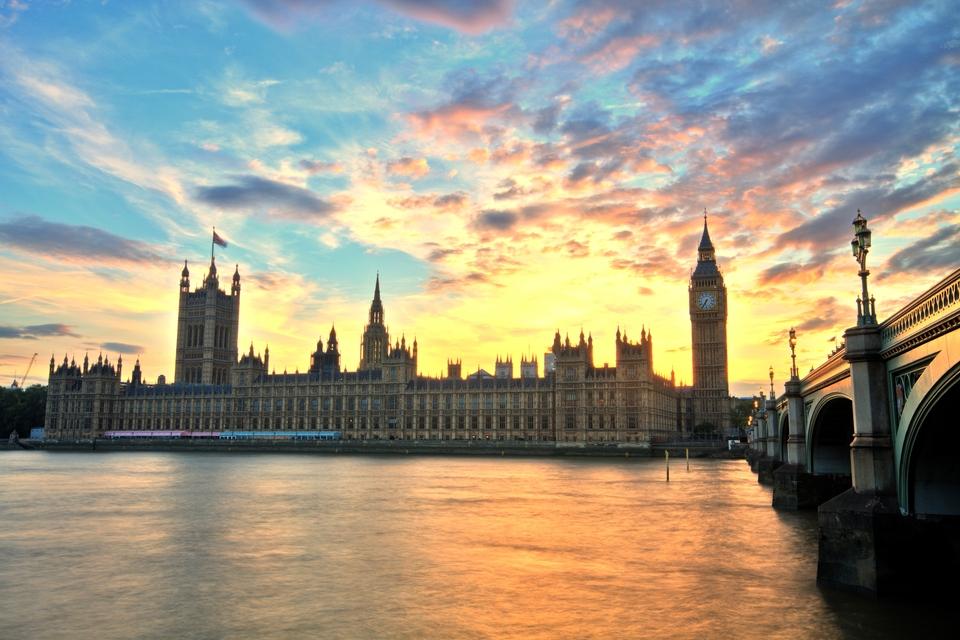 Die 10 schönsten Sehenswürdigkeiten in London: Elisabeth Tower, Big Ben & Palace of Westminster