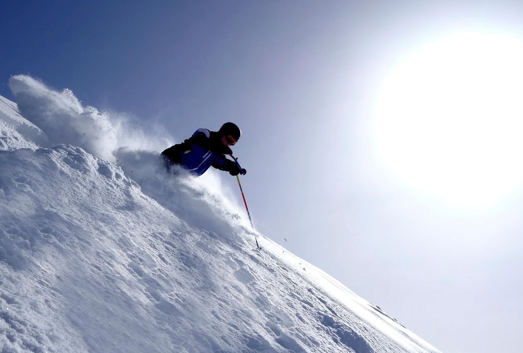 Practicar esquí en una de las montañas más altas de España no tiene precio