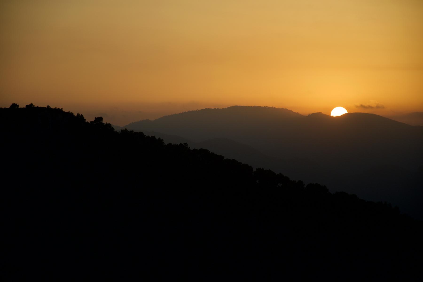 Atardece desde la hermosa Sierra Calderona, entre Valencia y Castellón