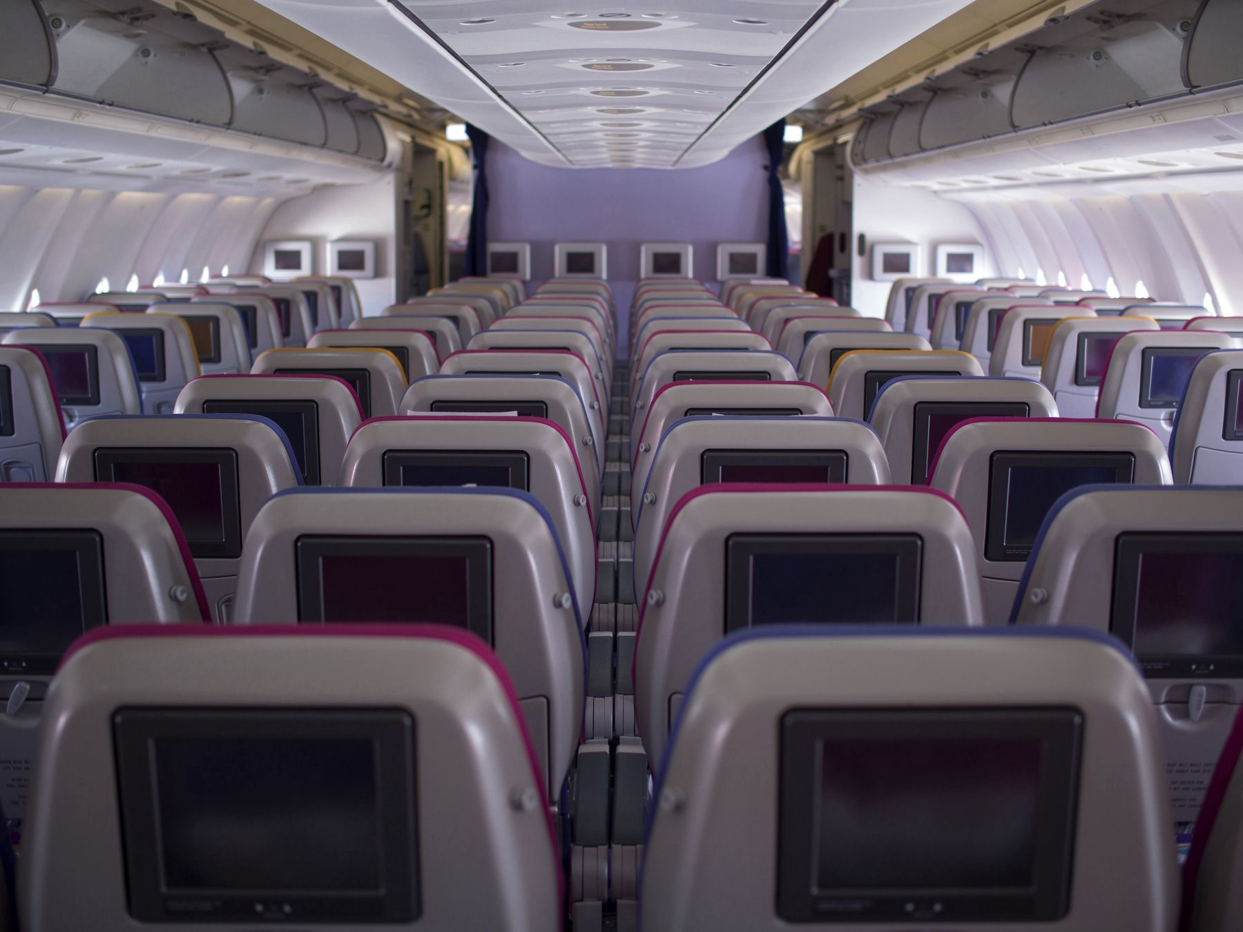 Premium economy: all you need to know | Skyscanner Canada