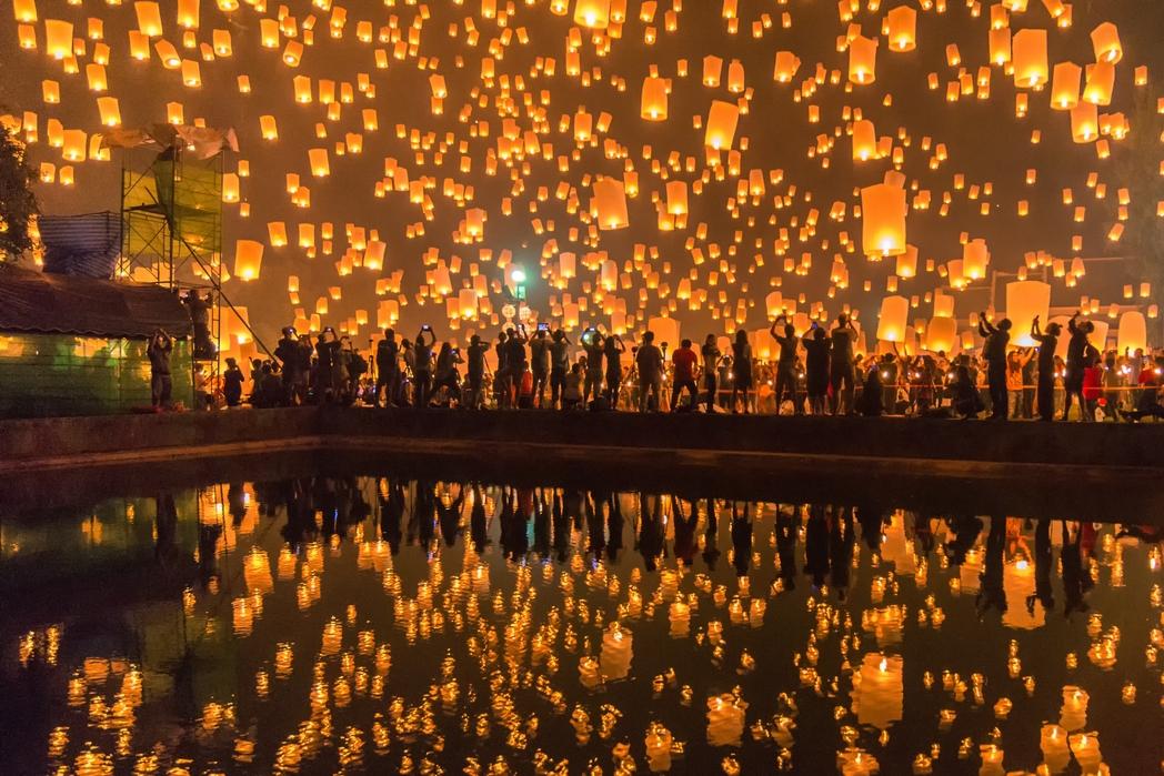 タイ ロイクラトン祭り