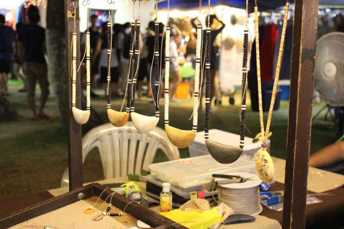 チャモロビレッジナイトマーケット | アクセサリー屋