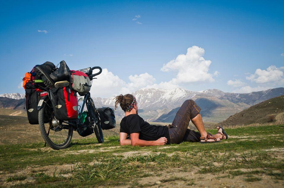 Куда поехать: в Армению или Грузию