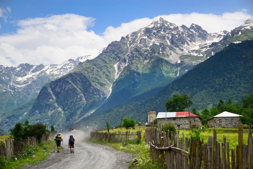Πεζοπόροι στην περιοχή Σβανέτι