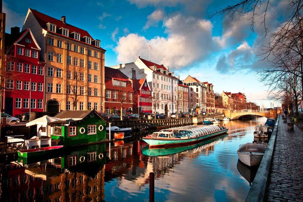 Ξενάγηση με πλοίο στα κανάλια της Κοπεγχάγης