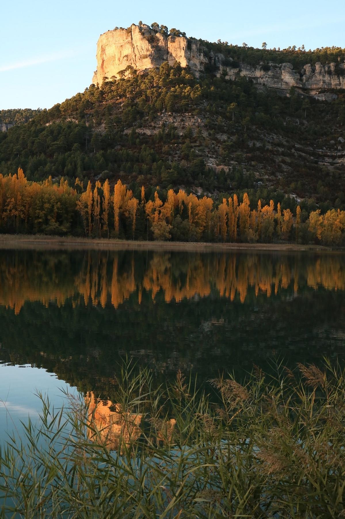 Las tranquilas aguas del Cabriel son el lugar perfecto para desconectar del mundo